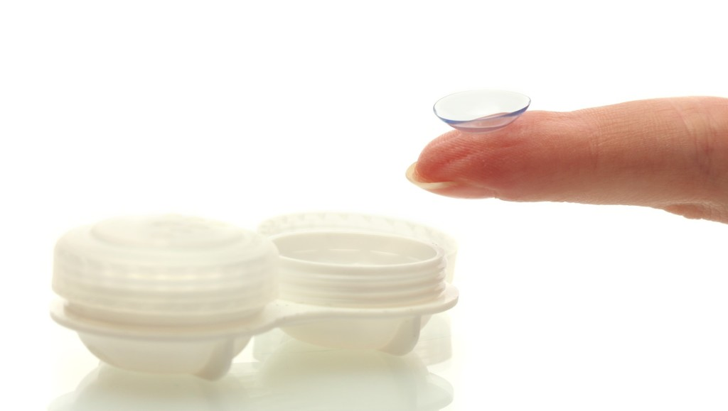 Dos and Donts for Contact Lens Wearers